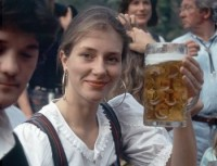 350_germanybeerdrinking-2